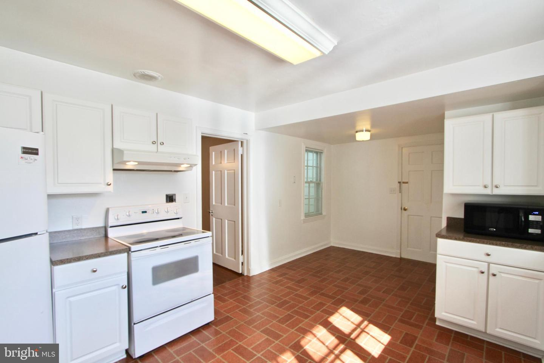 120281_kitchen2 104 Bayard Avenue | Dover, DE Real Estate For Sale | MLS#   - Burns and Ellis Realtors®